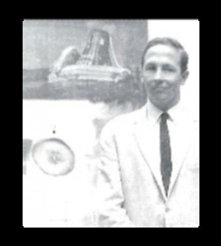 Robert Rauschenberg received the Leão de Ouro (Golden Lion Award) at the XXXII Bienal de Veneza in 1964