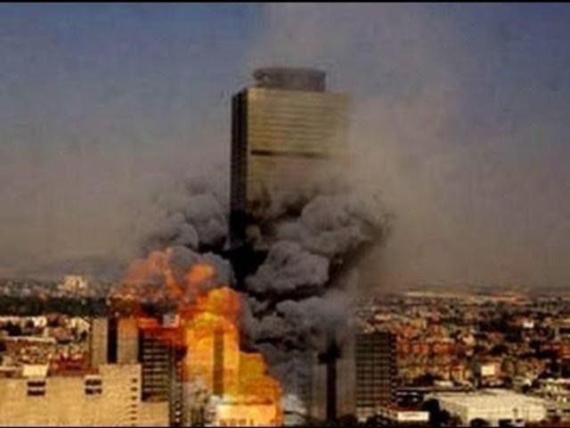 Explosión de la Torre Ejecutiva Pemex