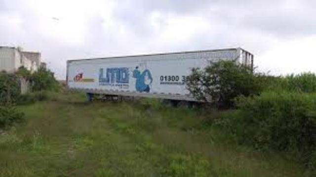 Encuentran cuerpos en trailers a lo largo del país.