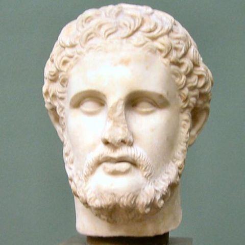 Filipo II se convierte en rey de Macedonia