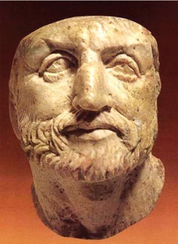 Filipo II se convierte en el rey de Macedonia.