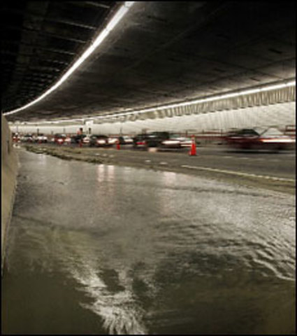 """Water leaks in new tunnels of """"Big Dig"""""""