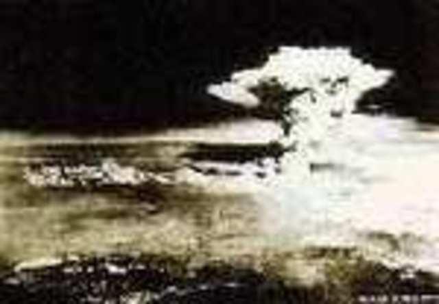1945 - O Fim da Segunda Guerra Mundial e o Início da Guerra Fria
