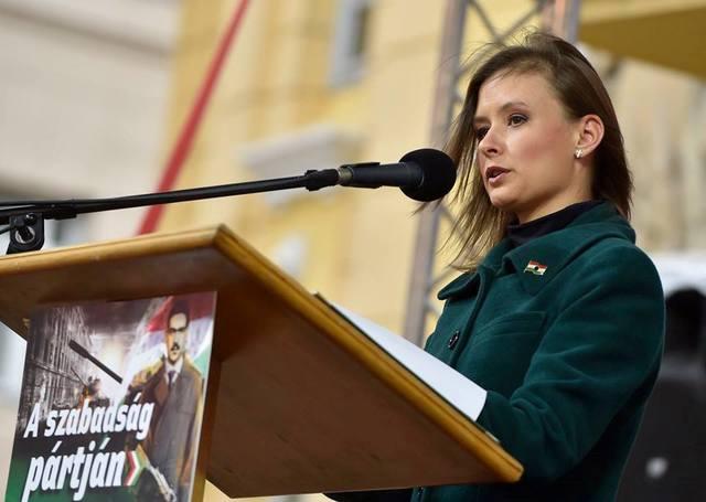 Dúró Dóra kilép a Jobbikból, és bejelenti, hogy a Mi Hazánkban folytatja