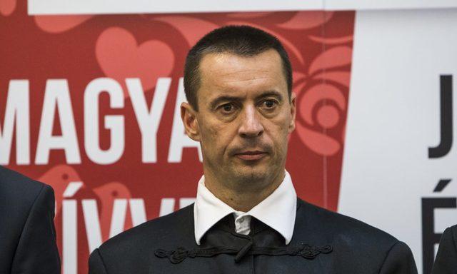 Fegyelmi eljárást indítványoznak a Jobbikon belül Toroczkai László ellen.