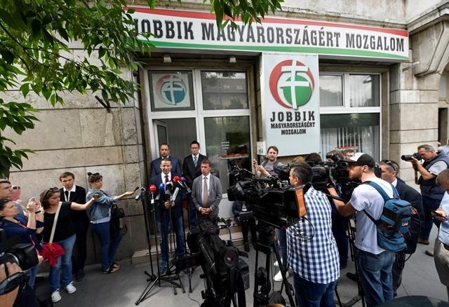 Torockai László bejelnti, hogy Mi Magunk néven platformot alapít a Jobbikon belül
