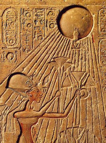 Adoración al sol en Egipto