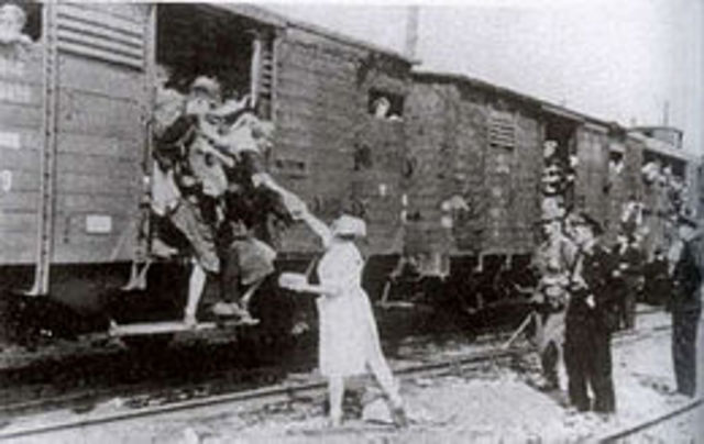 Wiesel and other families are taken to concentration camps