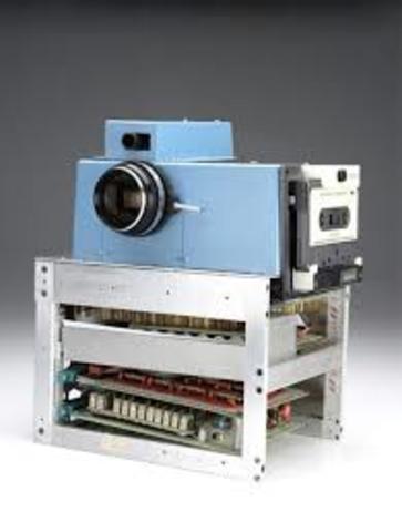 Primera càmera digital a l'empresa kodak