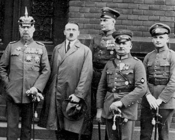Adolf Hitler leads a failed attempt to overthrow the German government