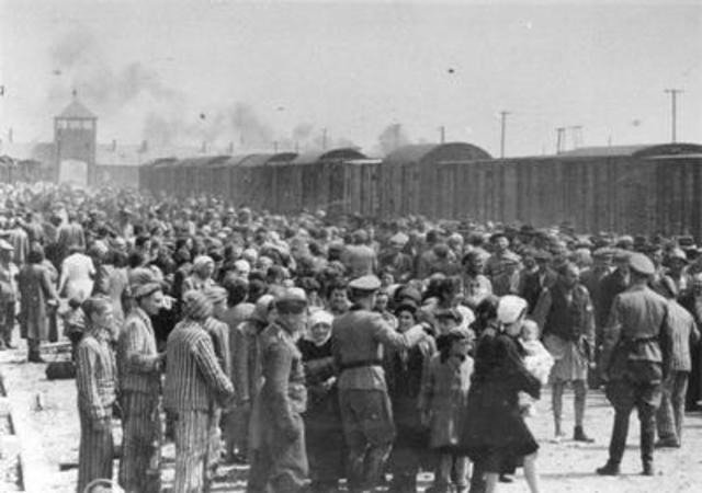 All Jews in Zawiercie ghetto are sent to Auschwitz