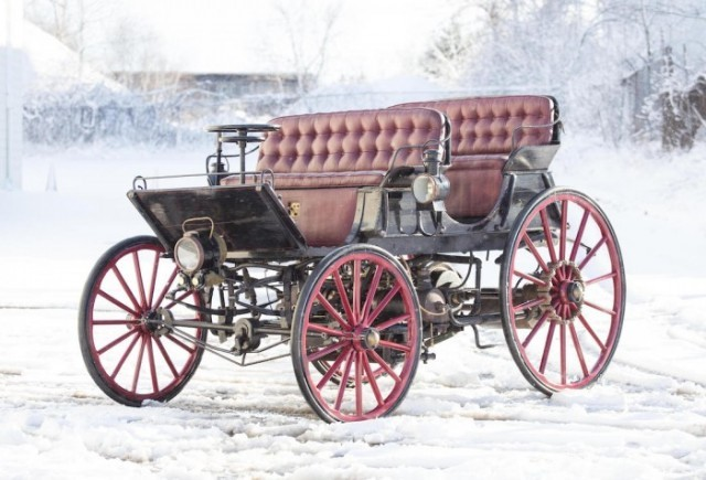 The Horseless Carriage comes to life