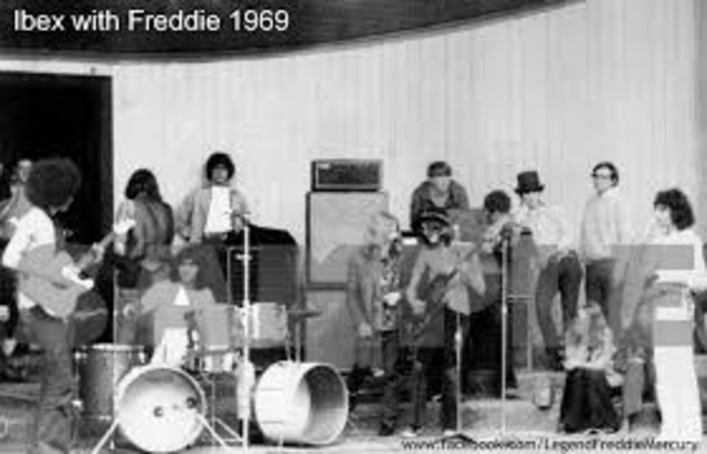 Bands before Queen