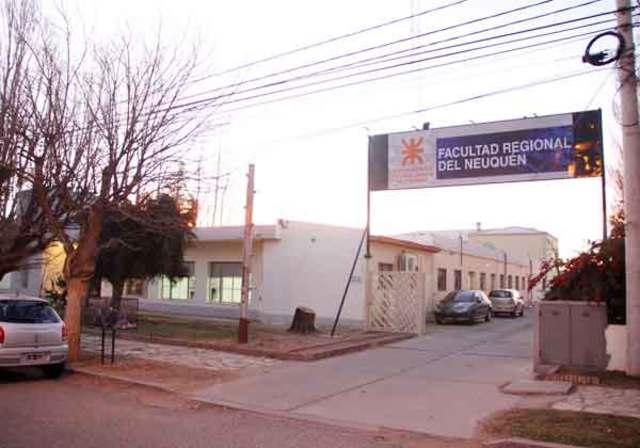 Abre sus puertas la F.R.N (Facultad Regional de Neuquen)