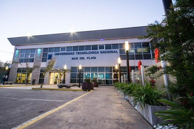 Abre sus puertas  FRMdP (Facultad Regional Mar del Plata)