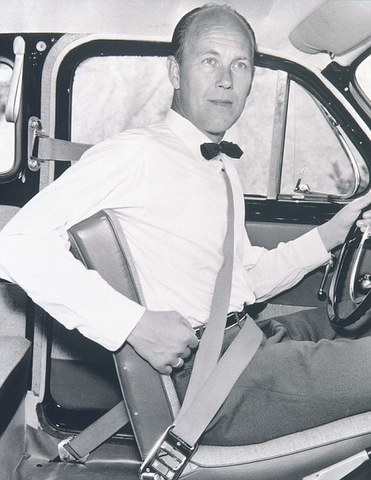 Seatbelts become a requirement on automobiles
