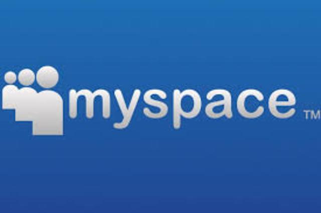Nace MySpace