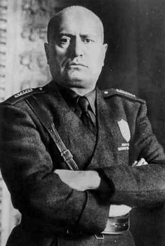 Mussolini asciende al poder