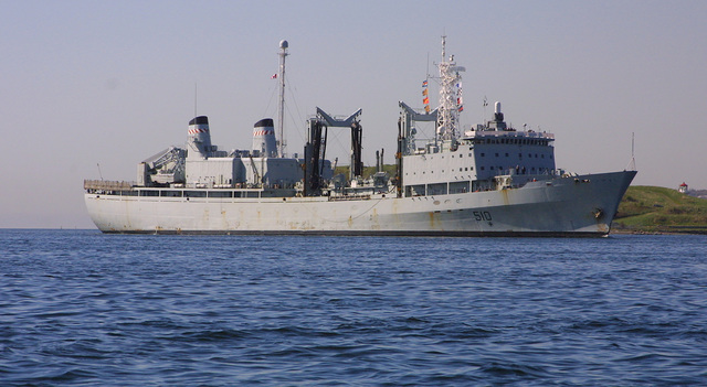 Dad Sails with HMCS Preserver