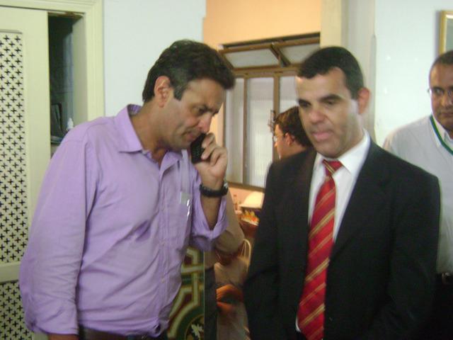 Prefeito arcoense e Aécio Neves se reúnem para tratar do combate a dengue