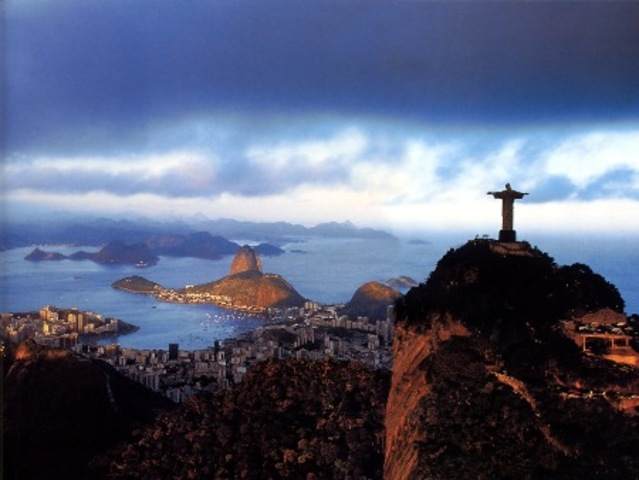 Rio de Janeiro comemora 445 anos nesta segunda