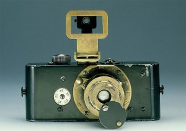 35mm still camera