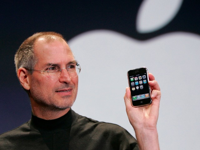 Apple launch the iPhone