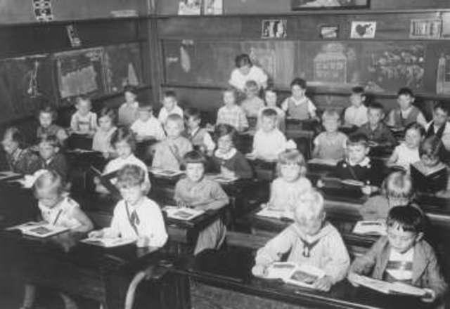 Law Limits Jews in Public Schools