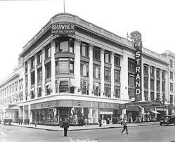 1914 – The Strand – Broadway Dream Palace