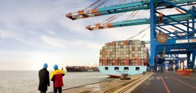 Se establecen las facultades de los vistas aduaneros, los almacenistas, interventores y resguardo aduanero.