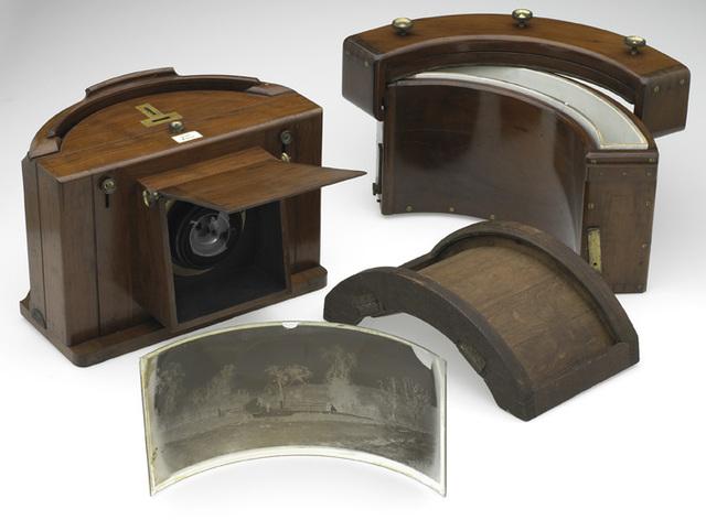 Invention of panoramic camera
