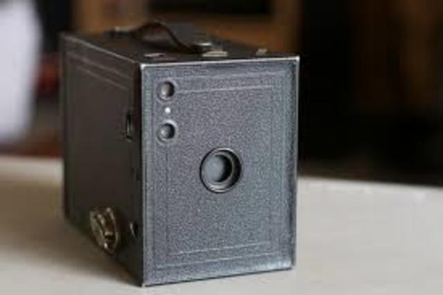 """The Kodak """"Brownie"""" Introduced for Casual Photography"""