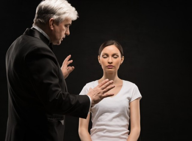 """Término hipnosis como un """"sueño nervioso"""""""