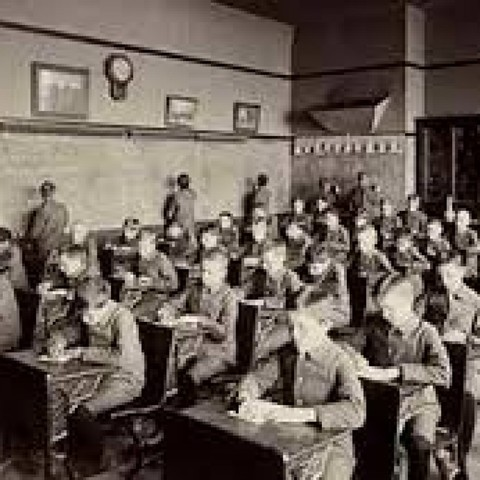 Surgen las escuelas como mecanismo de control