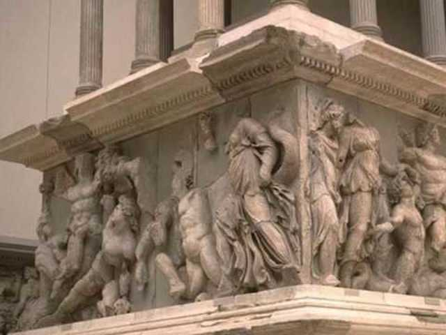 Figura del griego Galeno de la ciudad de Pérgamo