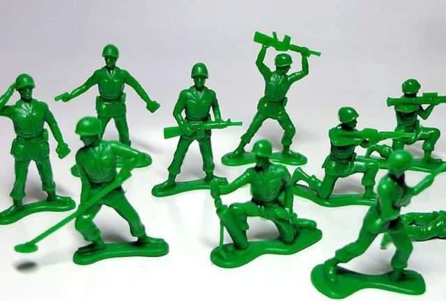 Juguetes elaborados con plástico