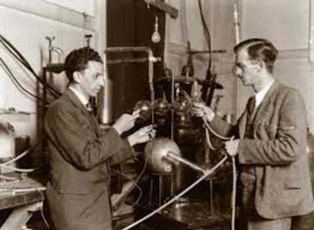 John D. Cockcroft y Ernest T. S.Walton