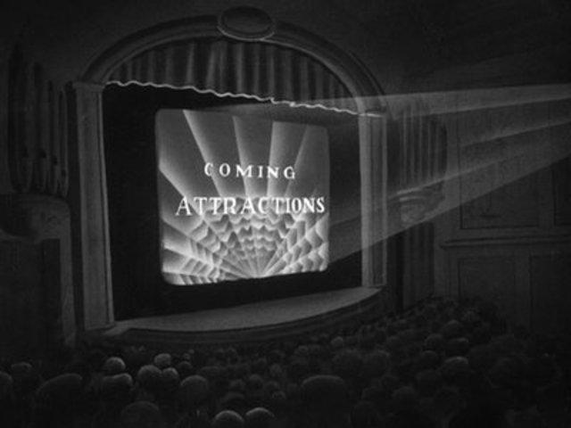 El primer gran antecedente de un tráiler cinematográfico se da cuando el productor de Broadway Nils Granlund rueda un cortometraje para promocionar la obra The Pleasure Seekers en el mes de noviembre.