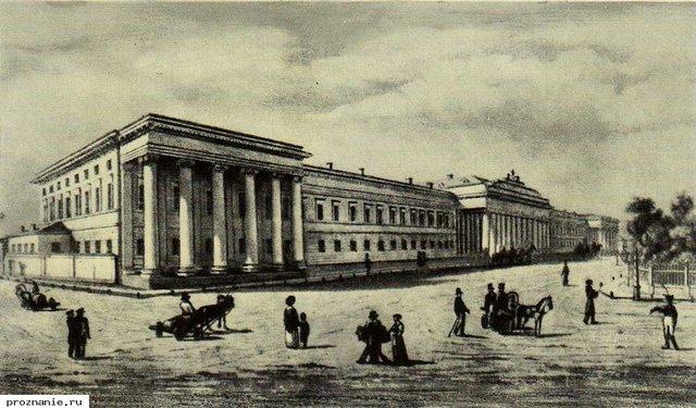 Зачислен в  Казанский университет