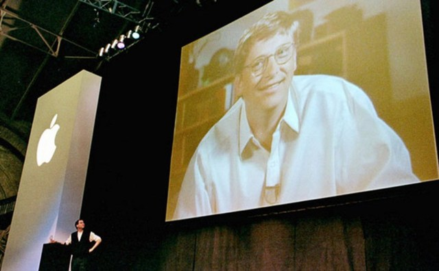 Microsoft salva a Apple de la quiebra