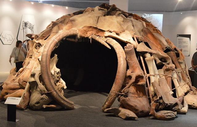 Mammoth Bone Hut