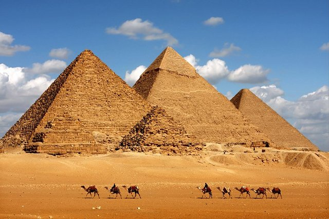 Kufu, Kafre, Menkaure (Pyramids of Giza) (2589, 2570, 2510 BCE)