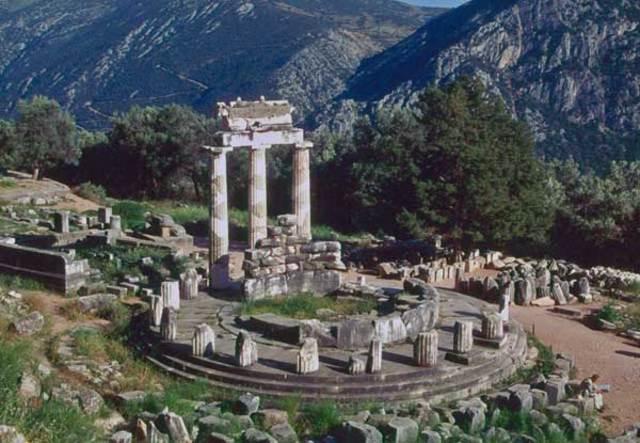 Temple of Athena Pronaia (380-360 BCE)