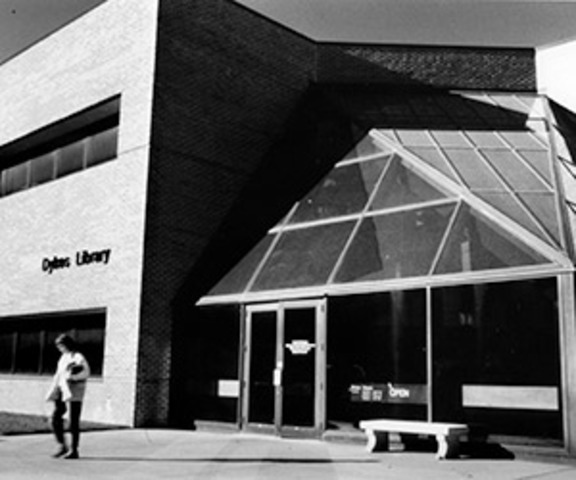 Archie Dykes library opens at KUMC