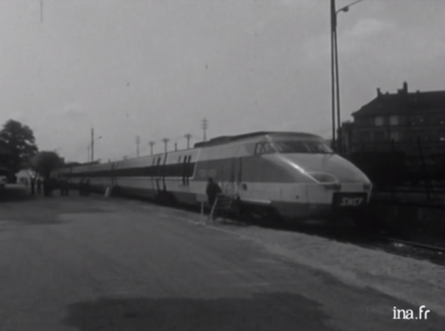 Approbation de la construction du TGV