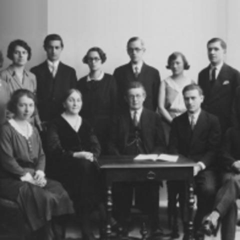 Création du Bureau international de l'éducation (Genève)