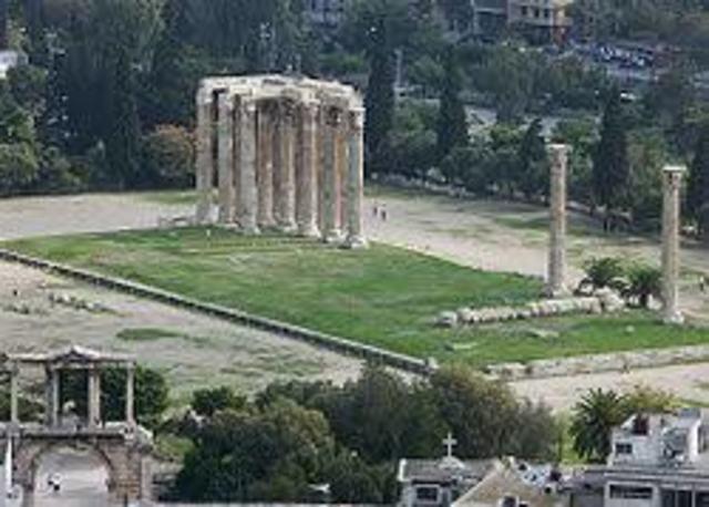 Construcción del santuario dedicado a Zeus
