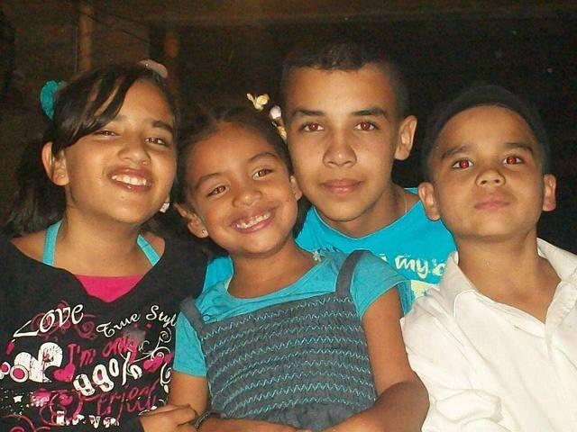 foto con mis hermanos
