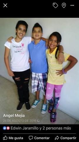 con mis hermanas después del regreso de mi mama de panama