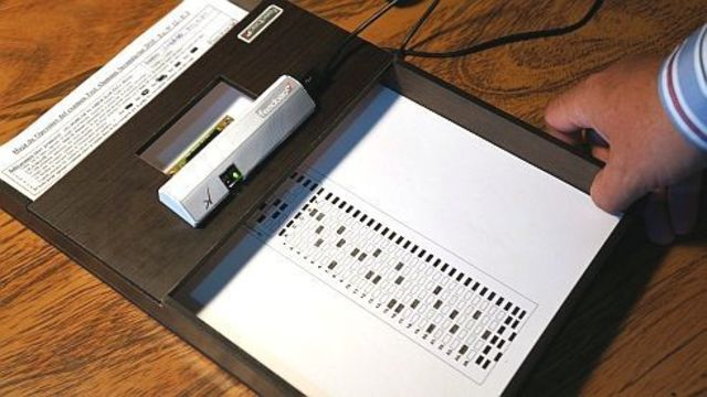 Se implementa en Colombia la primera máquina de lectura para calificar pruebas.